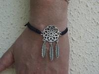 Bracelet tissé attrpe-rêves porté