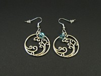 Boucles d'oreilles fantaisie breloques vagues et perles bleues