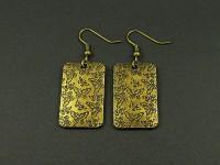 Boucles d'oreilles fantaisie plaque de métal couleur bronze déco papillons