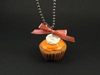 Cupcake orange en bijou de rétroviseur de voiture