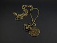 Collier fantaisie fausse montre gousset décor abeille couleur bronze