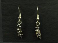 Boucles d'oreilles métal argenté représentant une branche de houx