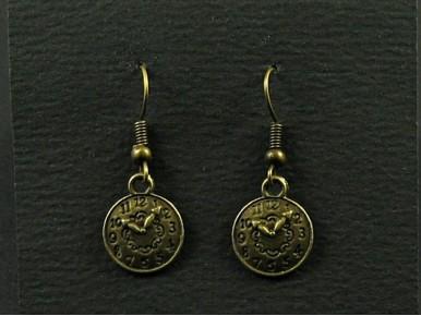 Boucles d'oreilles fantaisie couleur bronze mini horloge factice
