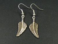 Boucles d'oreilles fantaisie en métal plume triangulaire