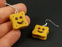 Boucles d'oreilles fantaisie BN sourire