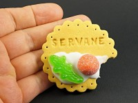 Magnet artisanal biscuit inscrit prénom et bonbons