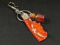 Bijou de sac, porte clé, bonbon crocodile en Fimo et fiole de verre paillettes rouges