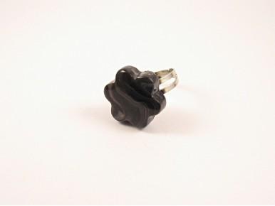 Bague noire effet marbre
