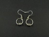 Boucles d'oreilles entiérement métallique
