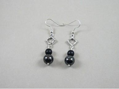 Boucles d'oreilles perles hématites et connecteur carré