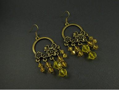 Boucles d'oreilles avec beucoup de perles orangées