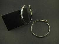 Boucle d'oreille créole avec une texture effet diamanté