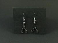Boucles d'oreilles fantaisie dépareillées lettres LO et VE