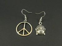 Boucles d'oreilles dépareillées Bouddha et Peace and Love