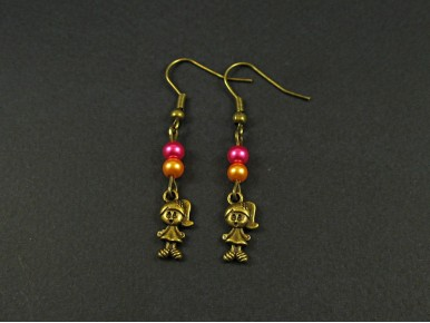 Boucles d'oreilles fillette avec des perles