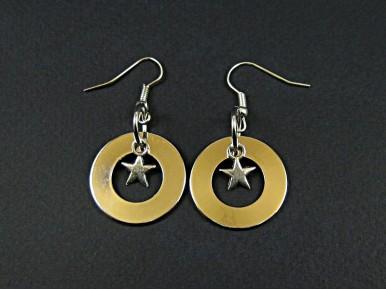Boucles d'oreille épais anneau brillant avec une étoile