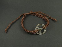 Bracelet peace and love utilisant le tressage shamballa