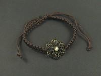 Bracelet rosace utilisant le tressage du shamballa