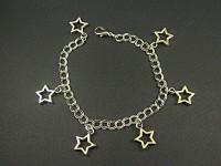 Bracelet fantaisie breloques étoiles