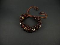 Bracelet utilisant des perles de bois extrèmement légères
