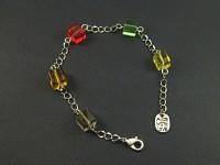 Bracelet avec des perles carrées