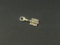 Charm fantaisie avec un perle en forme d'ailette