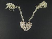 Collier fantaisie argenté coeur coupé en deux