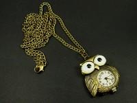Collier bronze avec un pendentif montre chouette