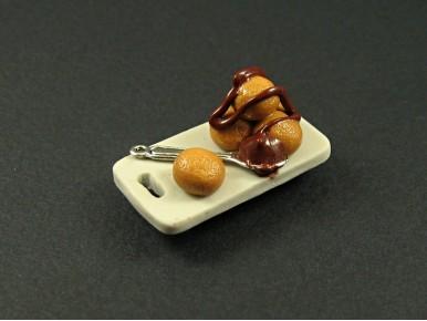 Magnet gourmand avec des boules de glace chocolat