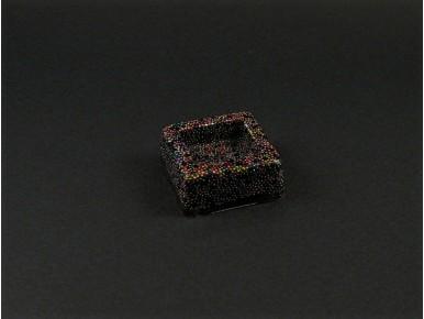 Magnet résine renfermant des micro-billes de toutes les couleurs