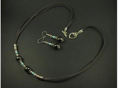 Parure fantaisie en perles de verre
