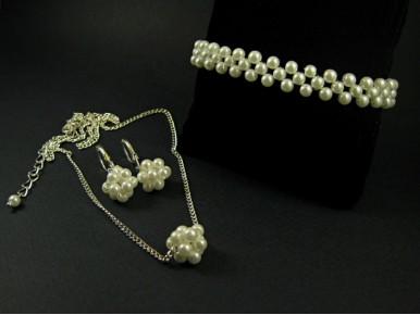 Parure fantaisie mariage réalisée avec de fines perles nacrées